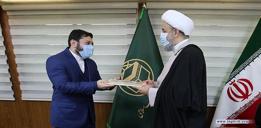 الأمين العام للمجمع العالمي للتقريب بين المذاهب الإسلامية يُكرم مدير إذاعة الوحدة